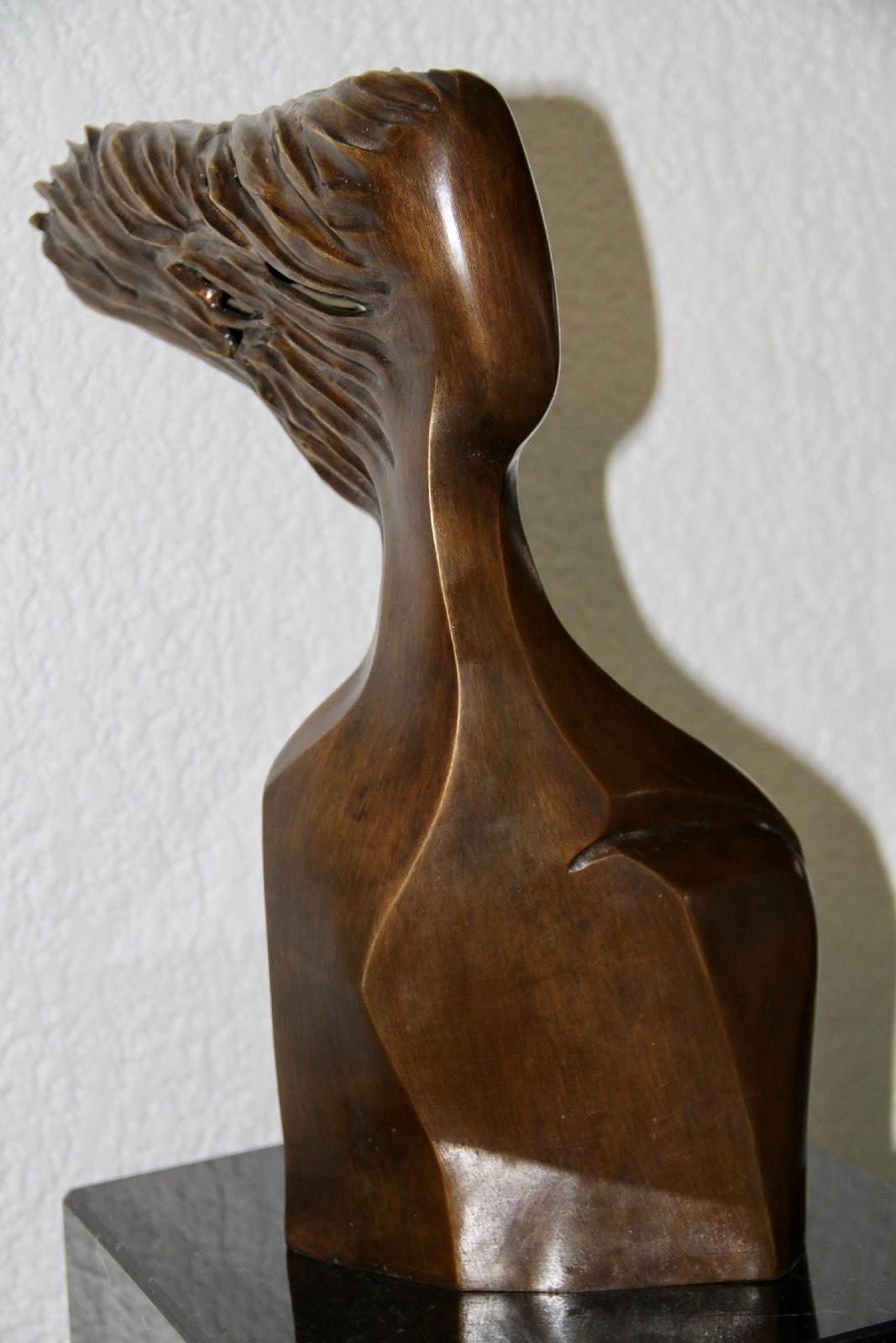 Bandolier - Escultura, Nour Kuri