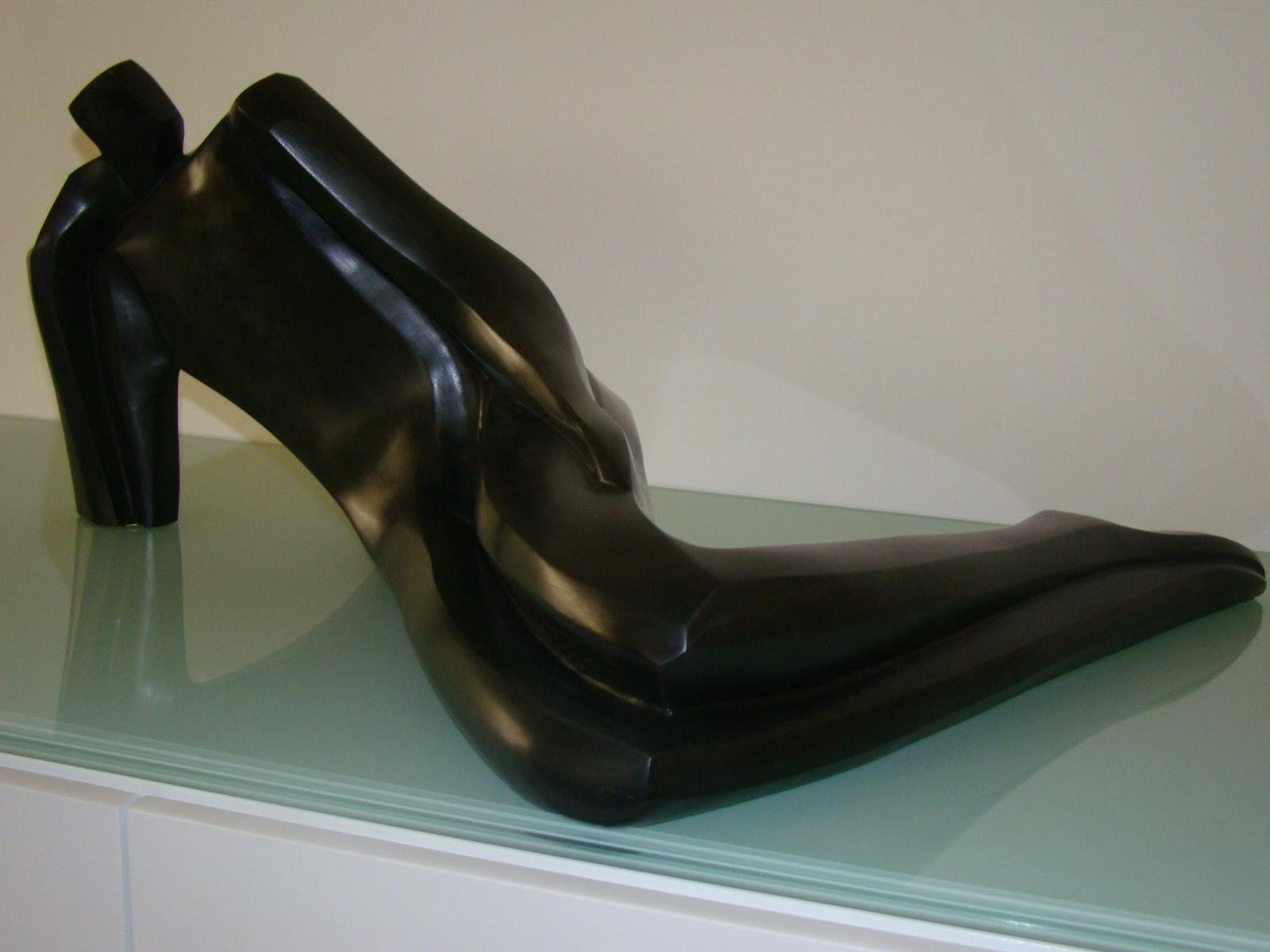 Don - Escultura, Nour Kuri