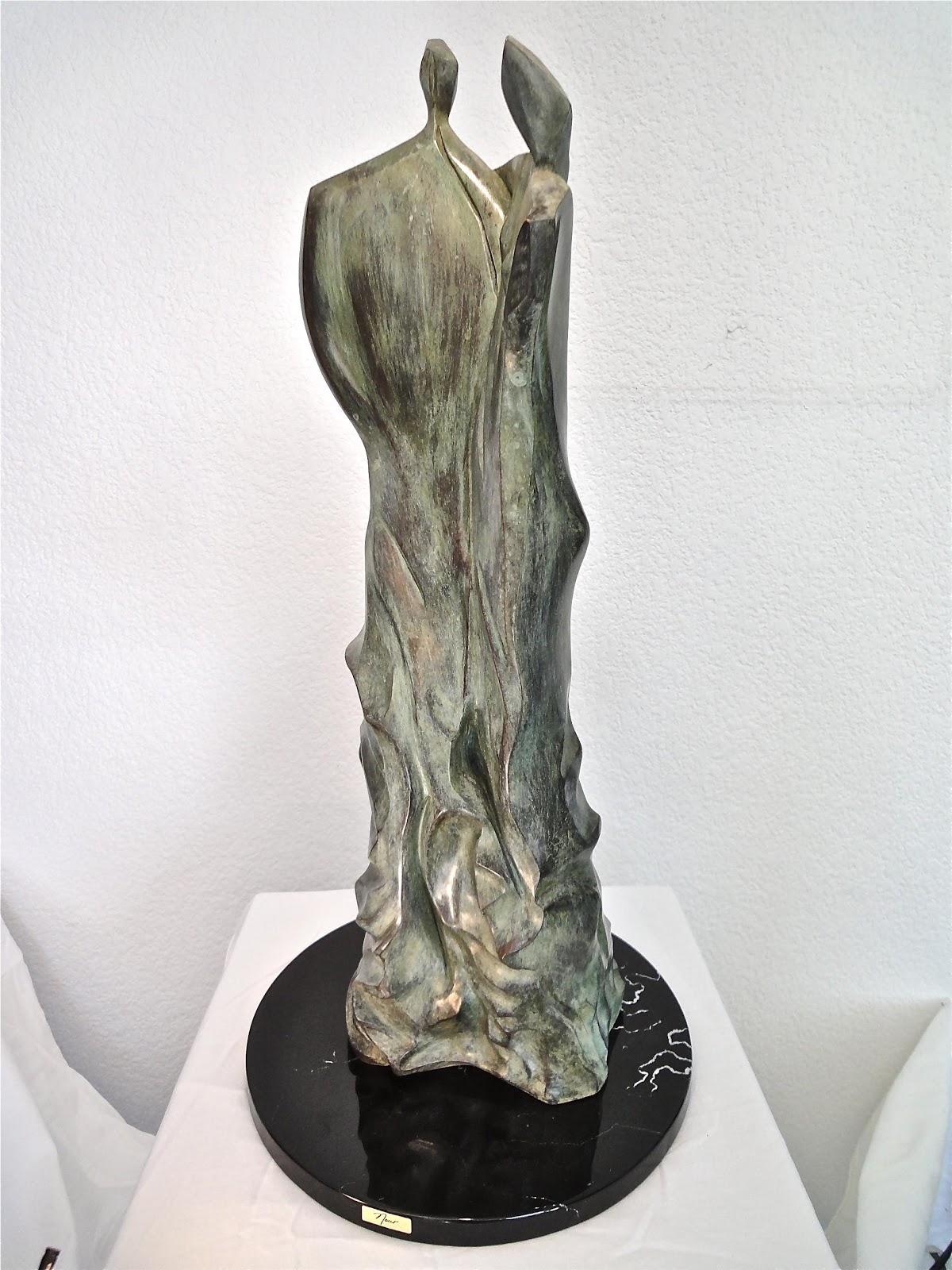 Entre nubes - Escultura, Nour Kuri