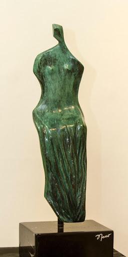 Nah - Escultura, Nour Kuri
